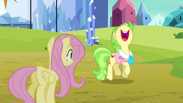 File:Ms. Peachbottom trots in place S03E12.png