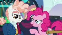 Pinkie Pie points at Svengallop S5E24
