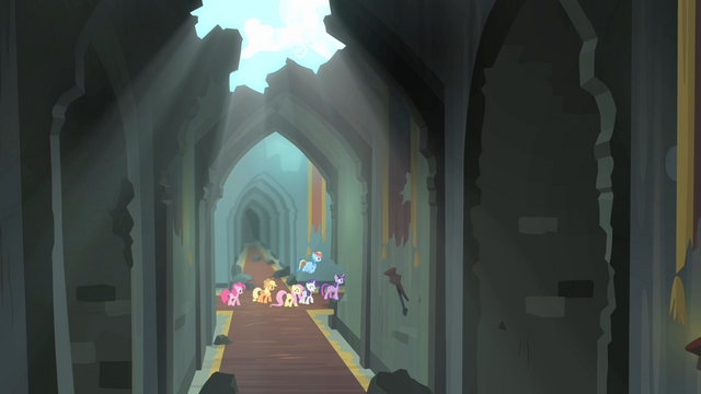 File:Main 6 walking in the castle S4E06.png