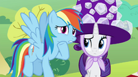 Rainbow whispering to Rarity S4E18