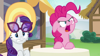 Pinkie Pie snapping at Starlight Glimmer S6E21