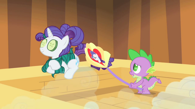 File:Spike fanning Rarity S1E20.png