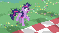 Twilight Sparkle making sounds S2E03