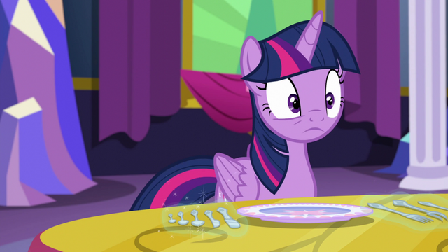 File:Twilight looking at Starlight S06E06.png