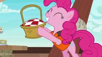 Pinkie Pie reveals a picnic basket S6E22