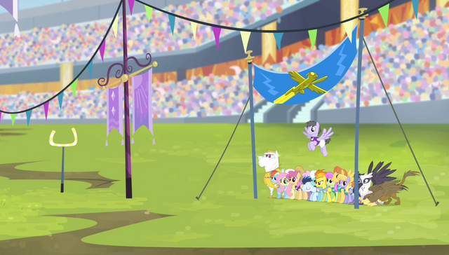 File:Teams on the field for the aerial relay S4E24.png