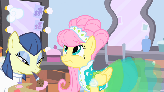 File:Fluttershy looks at her mane S1E20.png