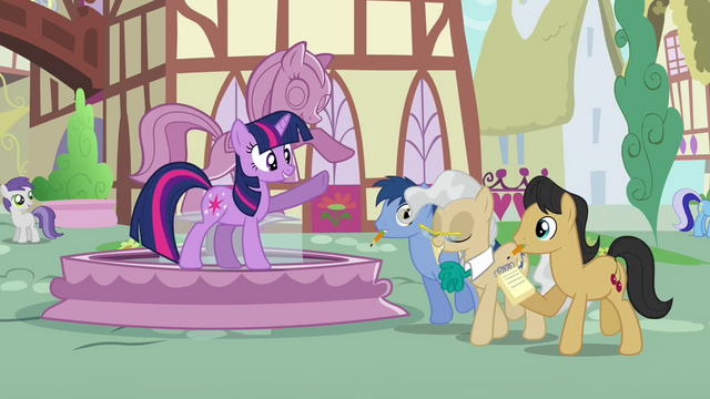 File:Twilight-There's the mayor S3E13.png