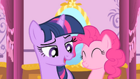 Twilight promises to keep the secret S01E20