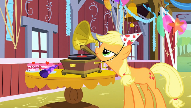 File:Applejack starts the music S1E25.png