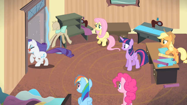 File:Rarity leaves the room S4E08.png