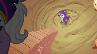 Twilight coming out S2E04