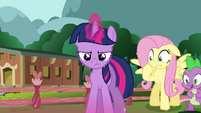 Twilight focusing on levitation spell S3E05