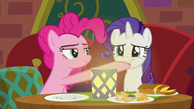 File:Rarity sampling Pinkie Pie's food S6E12.png
