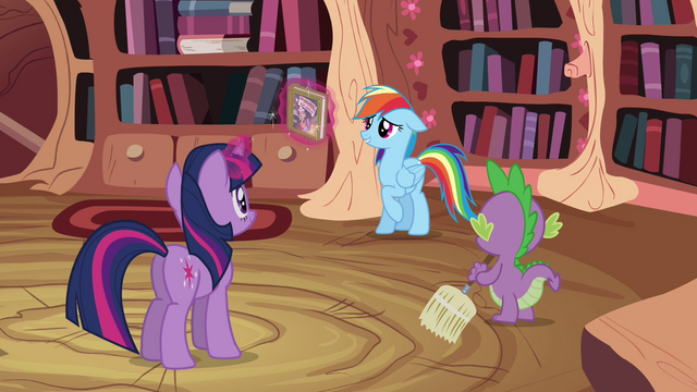 File:Twilight Sparkle, Spike and Rainbow Dash S2E16.png