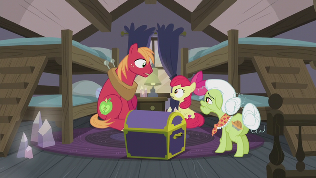File:Apple Bloom and Big Mac surprised S5E20.png