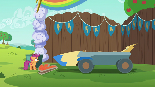 File:Scootaloo sees the chicken head is gone S6E14.png