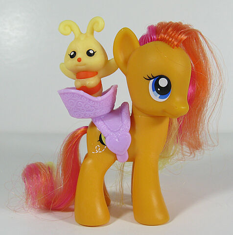 File:Playful Ponies Honeybuzz doll.jpg
