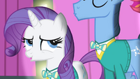Rarity looking at Big Mac S4E14