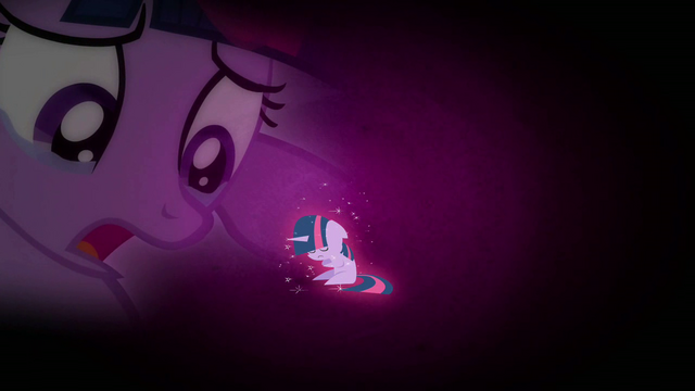 File:Twilight imagening herself alone S02E25.png