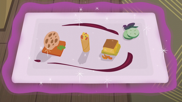File:Tray of The Tasty Treat's new food S6E12.png
