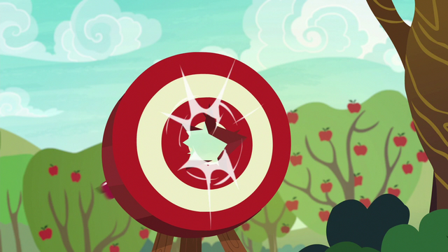 File:Apple flies straight through the target S6E18.png