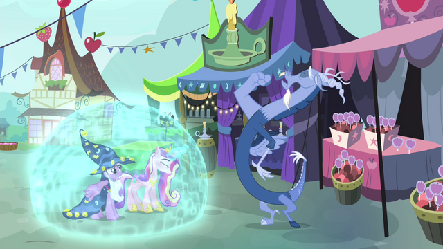 File:Cadance forming shield around her and Twilight S4E11.png