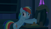 Rainbow Dash hears something behind her S6E15