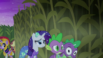 Rarity and Spike turning a corner S5E21