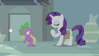Rarity points at herself S4E23