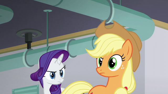 File:Applejack looking suspicious S6E10.png