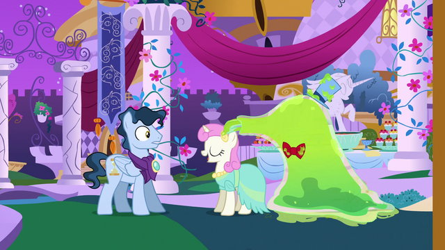 File:The Smooze eating Twinkleshine's jewels S5E7.png