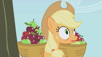 Applejack about to... S01E04