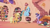 Applejack restraining Rainbow Dash S1E02