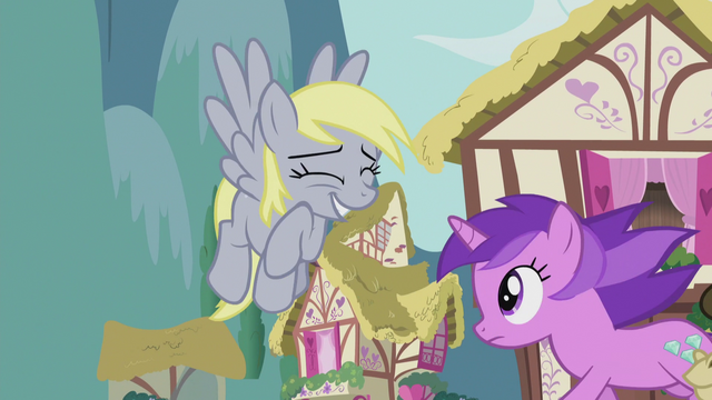 File:Derpy still wants to help S5E9.png