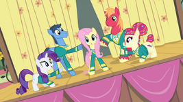 Fluttershy and Ponytones big finish S4E14.png