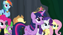 Twilight approaching the tree S4E02