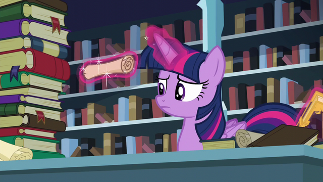 File:Twilight levitating a scroll S6E2.png