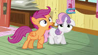 Scootaloo overshoots her horseshoe throw S5E4