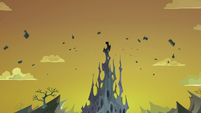 Top spire of the changeling hive destroyed S6E26