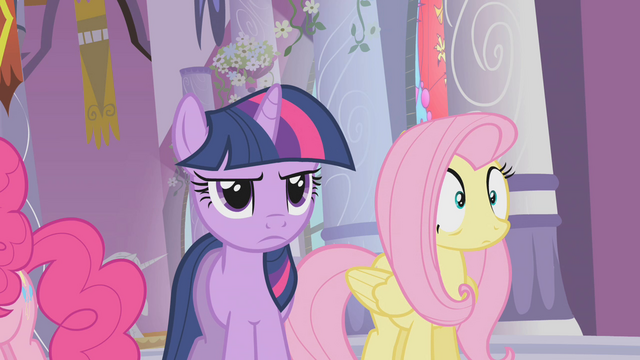File:Discord talks to the ponies S2E01.png