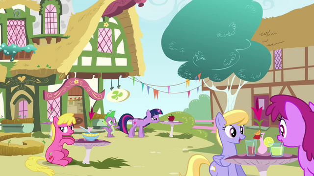 File:Spike 'Try again Twilight' S3E3.png
