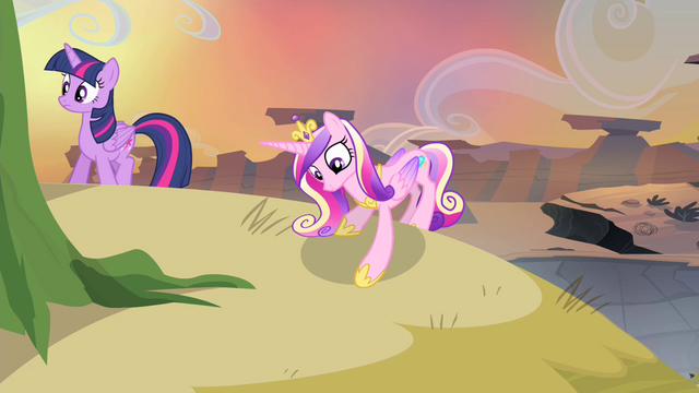 File:Cadance sees something S4E11.png