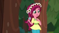 Gloriosa Daisy introducing herself EG4