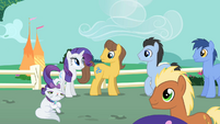 Rarity greets Caramel and Lucky S1E26