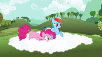 Rainbow Dash explaining fog to Pinkie S3E3