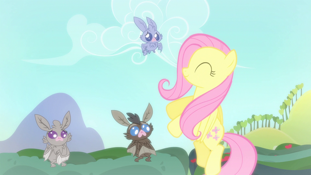 File:Fluttershy smiling at the bats S4E7.png