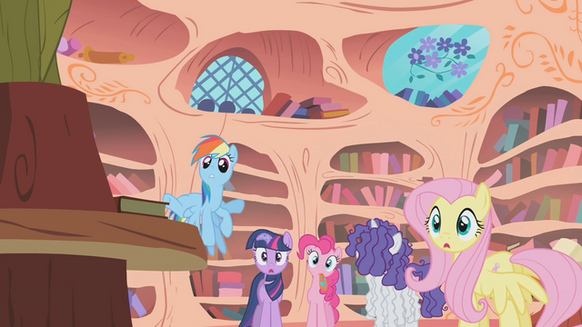 File:Main 5 notice Applejack is gone S1E09.png