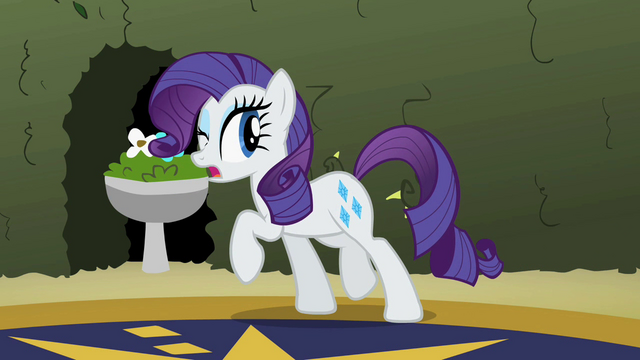 File:Rarity sneaking S2E1.png