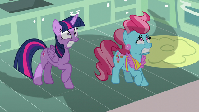 File:Twilight and Mrs. Cake frightened by Rutherford S5E11.png